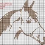 grille point de croix fer a cheval