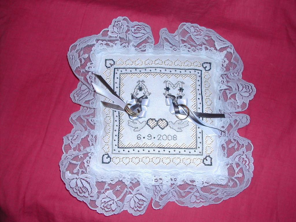 Motif point de croix pour coussin alliance mariage 7 - Grille gratuite point de croix coussin de mariage ...