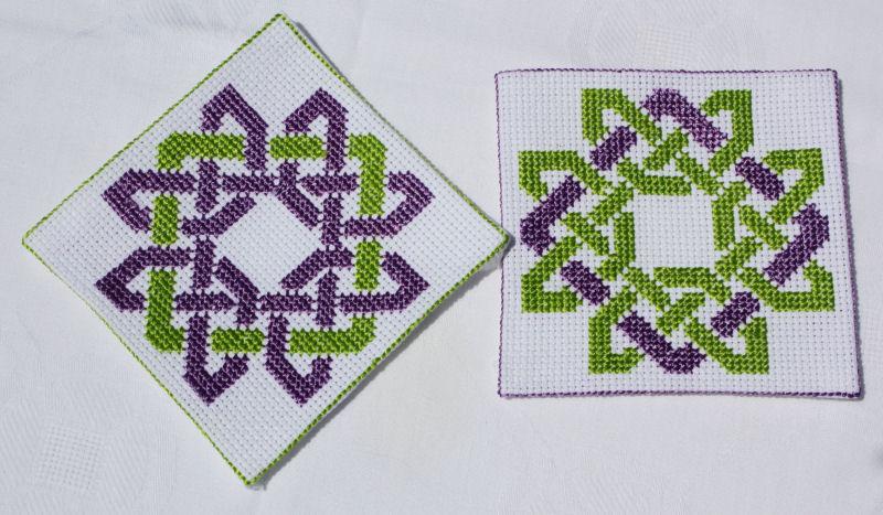 Grille point de croix celtique 11 - Grille abecedaire point de croix gratuit ...
